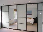 Зеркальный шкаф-купе для зала